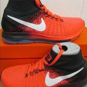 LIKE NEW Nike Zoom All Out running shoes